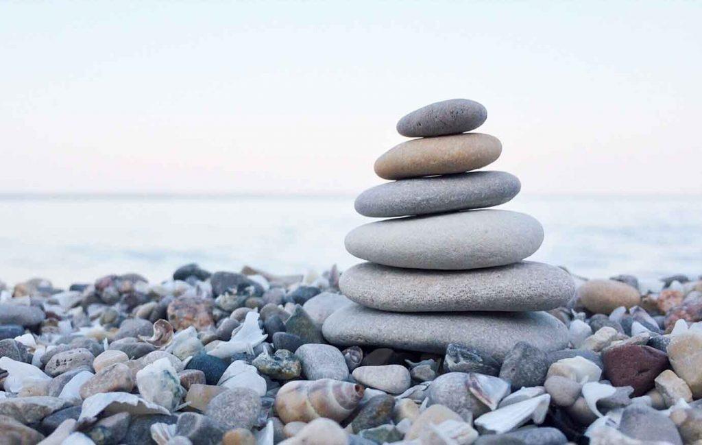 kivikasa rannalla